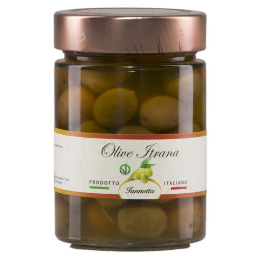 zelené-olivy-v-slanom-náleve
